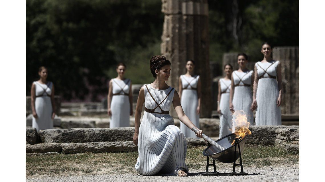 La antorcha olímpica se encendió este jueves en el Templo de Hera