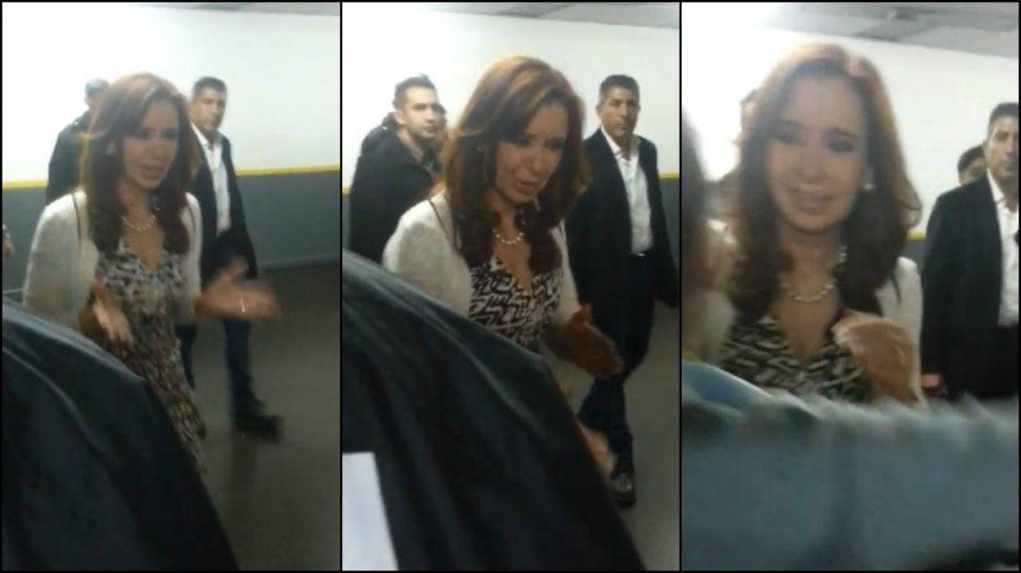 VIDEO: Cristina saludó a militantes antes de partir a Río Gallegos