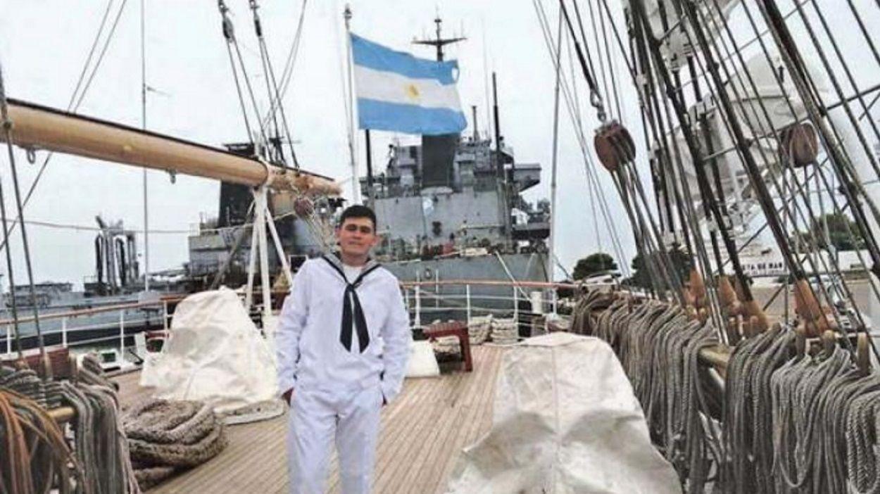 Un ejemplo de superación: de cartonero, a marino en la Fragata Libertad