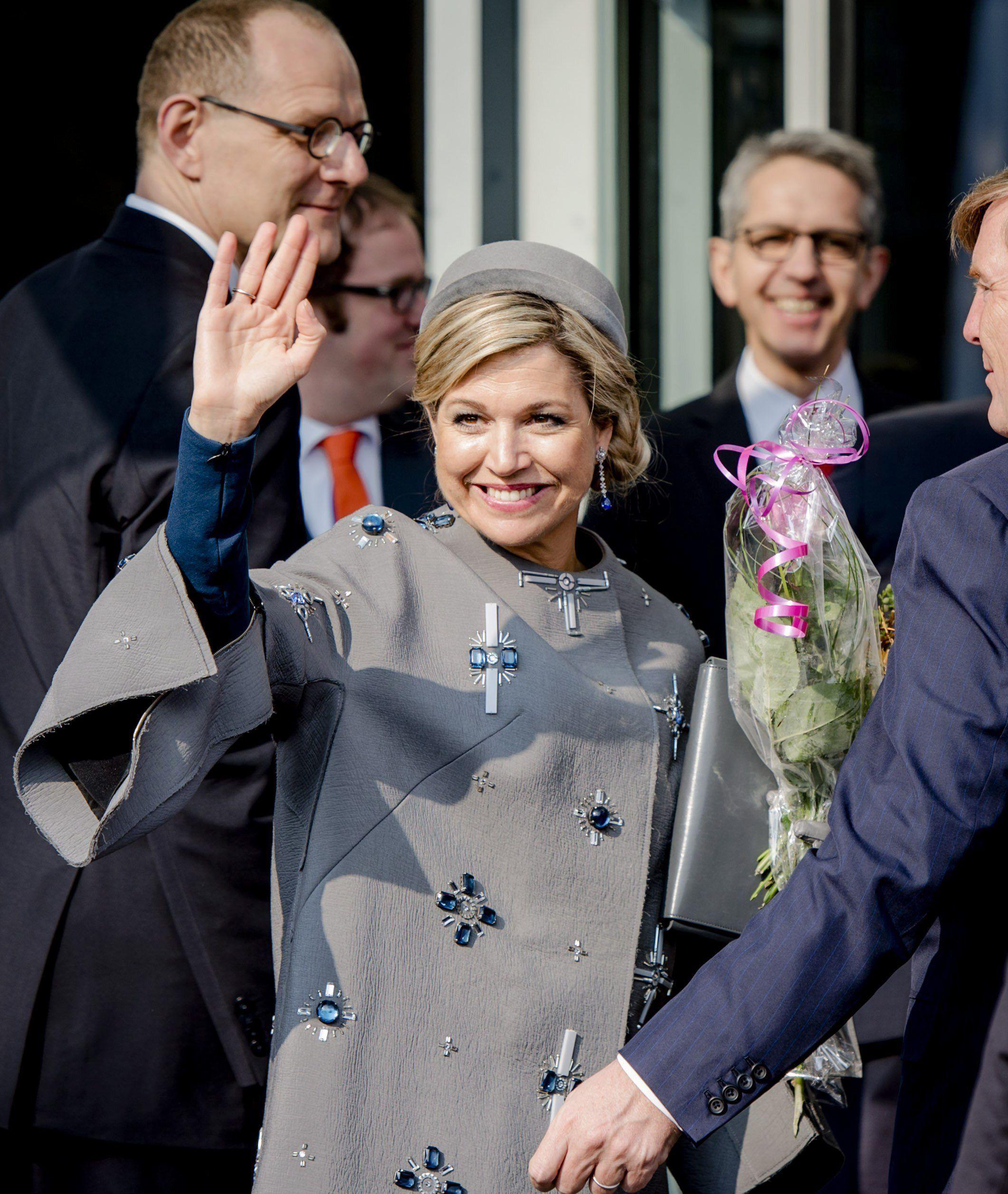 El tapado de Máxima causó una polémica en Alemania por su simbología nazi