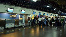 Controladores aéreos paran este miércoles todos los aeropuertos del país