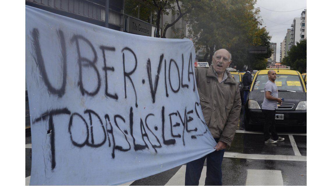 Allanaron las oficinas de la empresa Uber en la ciudad de Buenos Aires