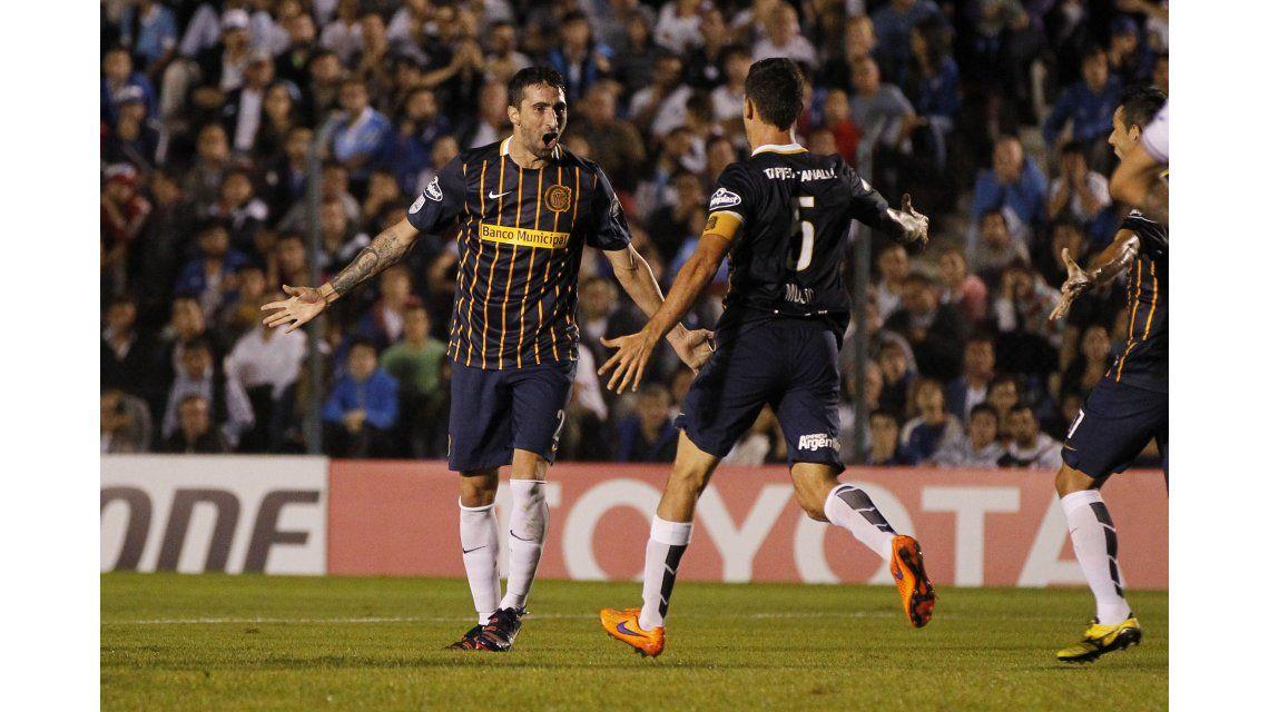 Rosario Central venció a Nacional y es el segundo argentino en octavos