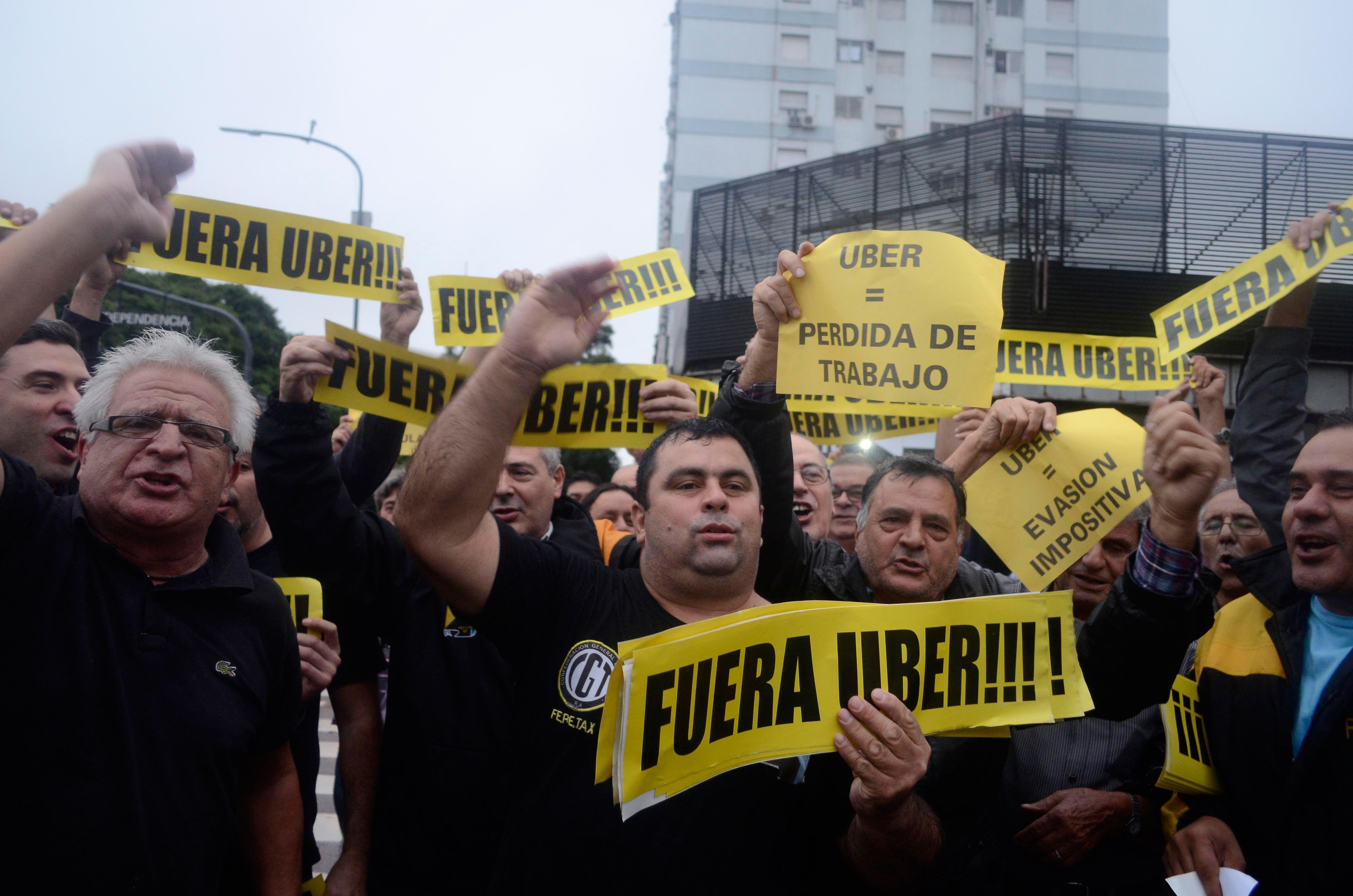 Cruzada contra Uber: la Ciudad recomienda aplicar sanciones con rigurosidad