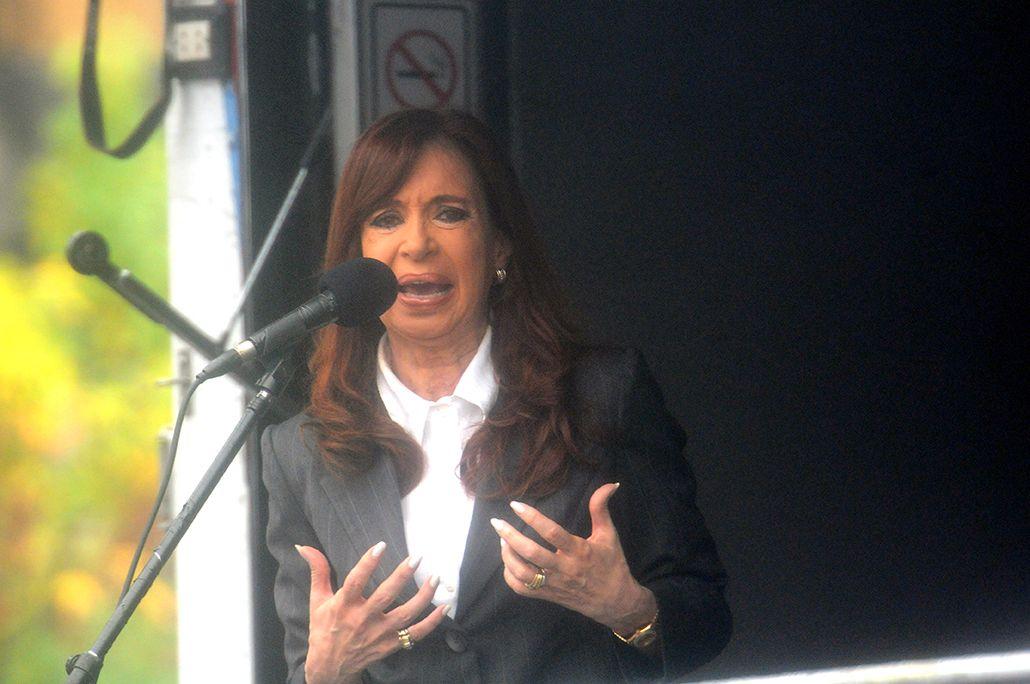 Dólar futuro: Cristina amplió su declaración y denunció a allegados a Macri