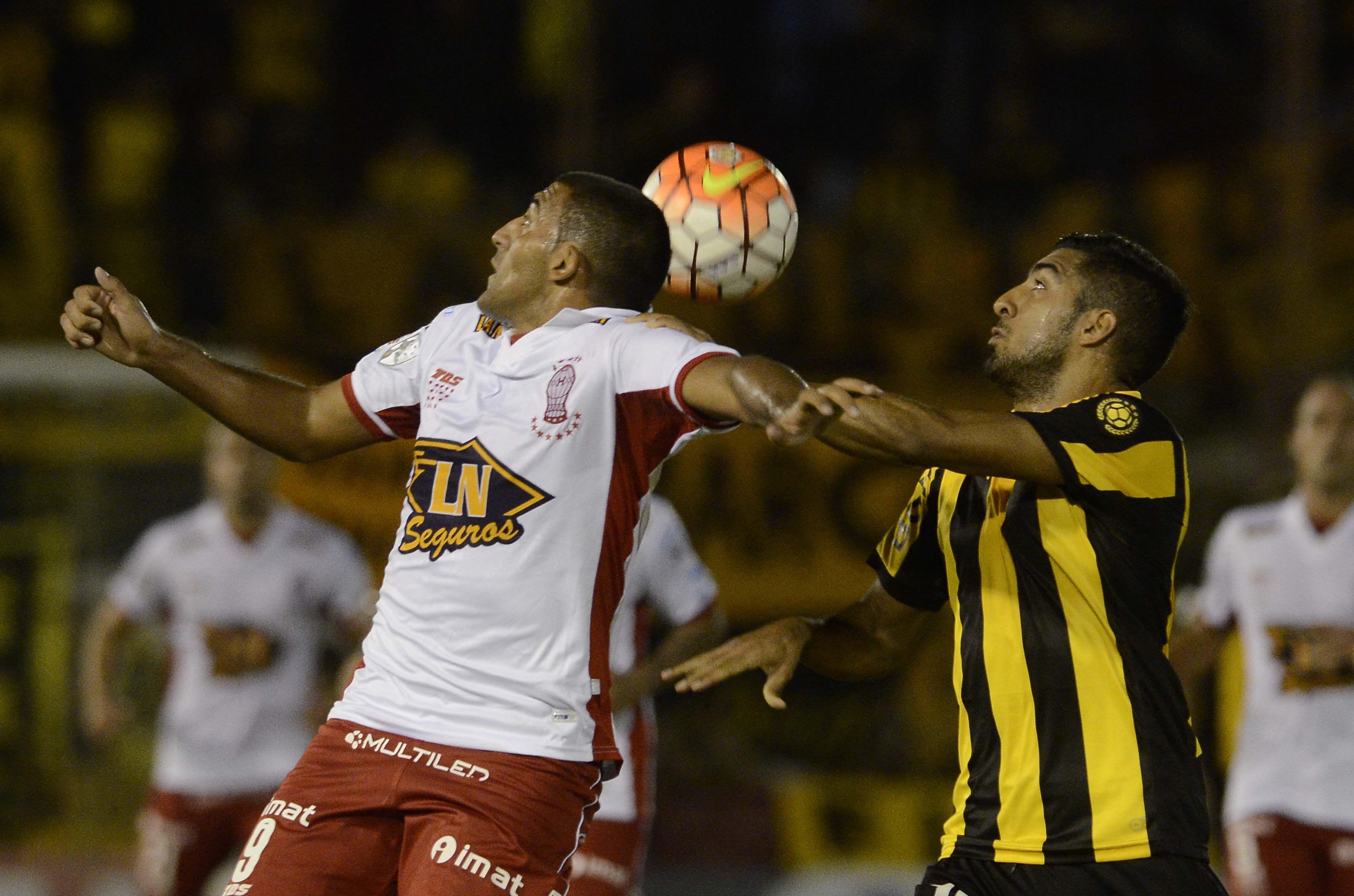 Las fotos del empate entre Huracán y Peñarol