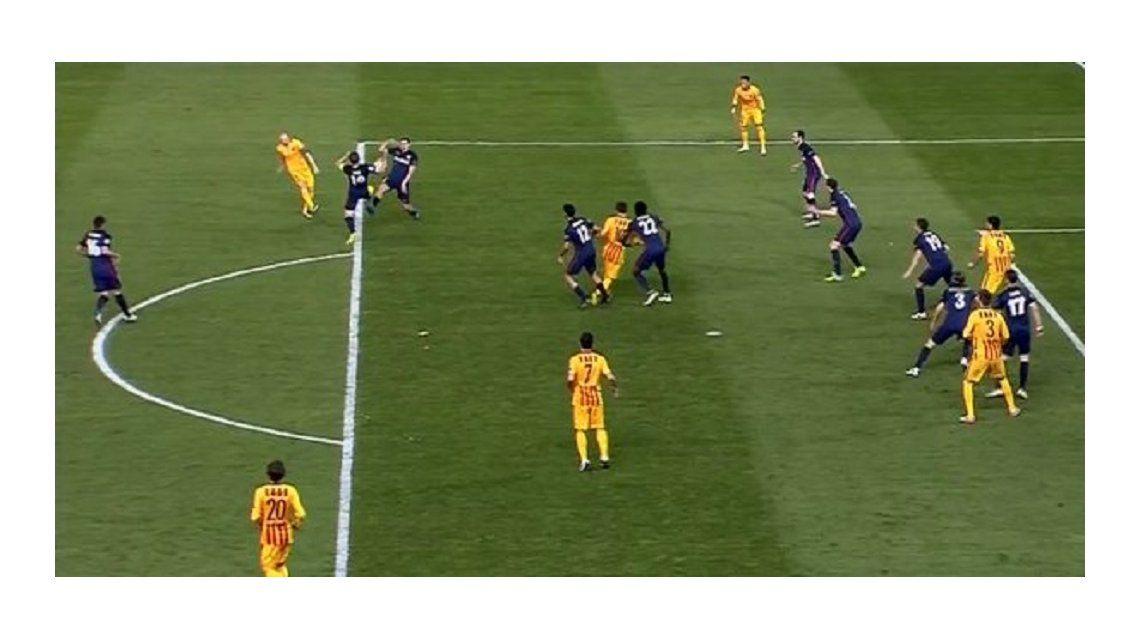 ¿No fue penal? El polémico fallo que perjudicó al Barcelona ante Atlético Madrid
