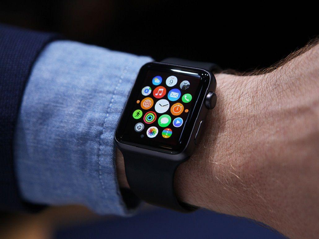 Un año después de su lanzamiento, el Apple Watch no convence