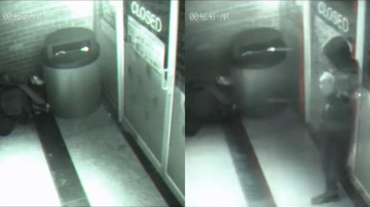 ¿Fantasma o viajero del tiempo? Un hombre atravesó una puerta sin inmutarse