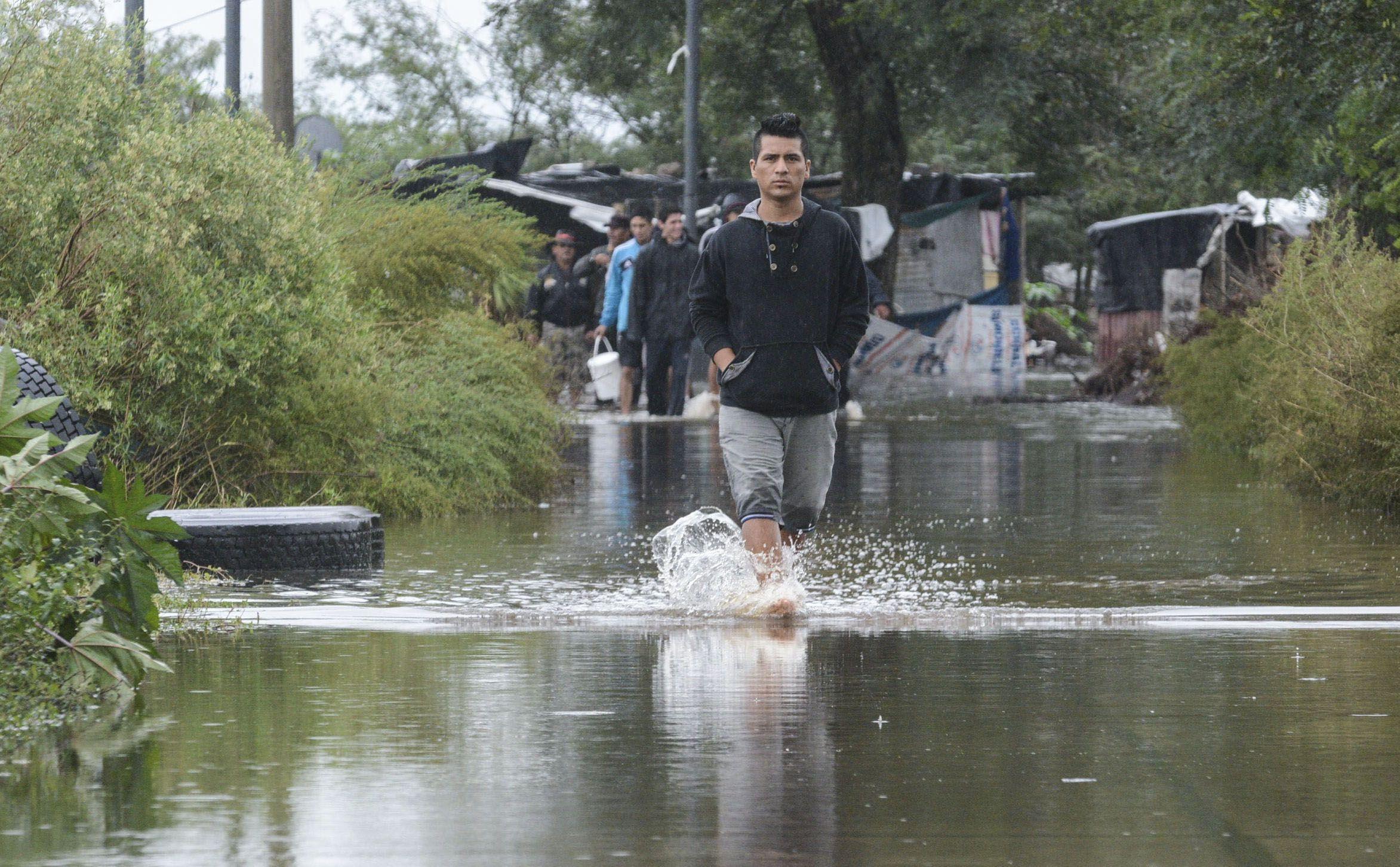 Temporal en Santa Fe: más de 2 mil evacuados y gran parte de la zona productiva bajo el agua