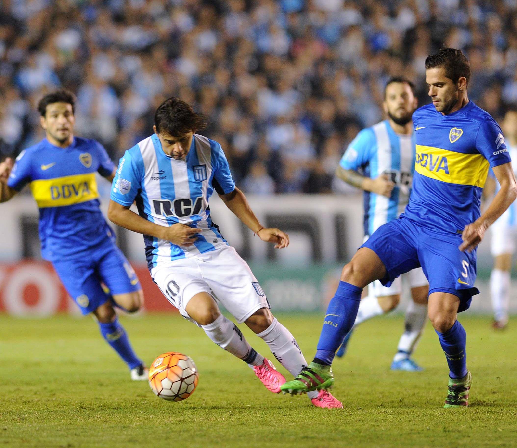 Boca le ganó a Racing en Avellaneda y clasificó a octavos de la Libertadores