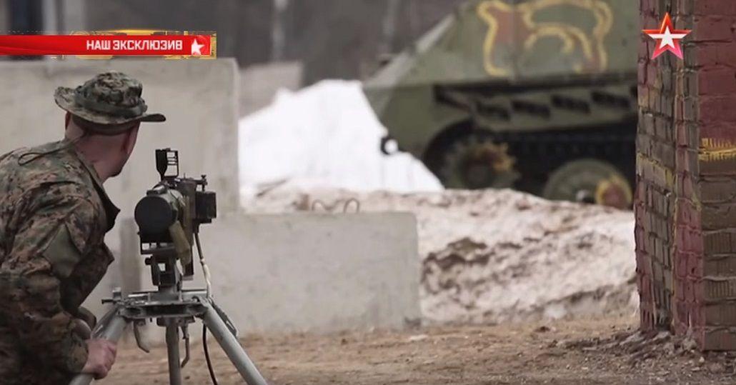 VIDEO: Prueban lanzar una granada contra un tanque blindado