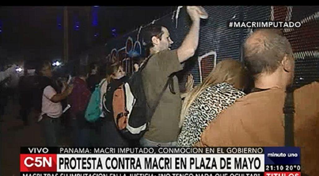 Protesta contra Mauricio Macri en Plaza de Mayo