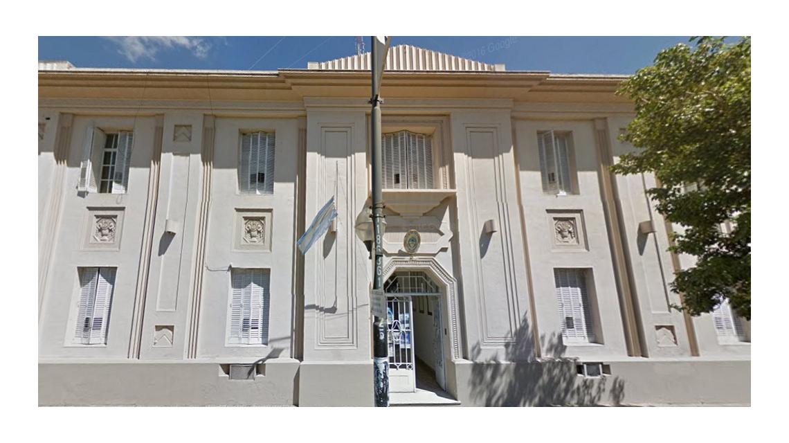 Separan a jefe de la Departamental La Plata por el caso de sobres con dinero