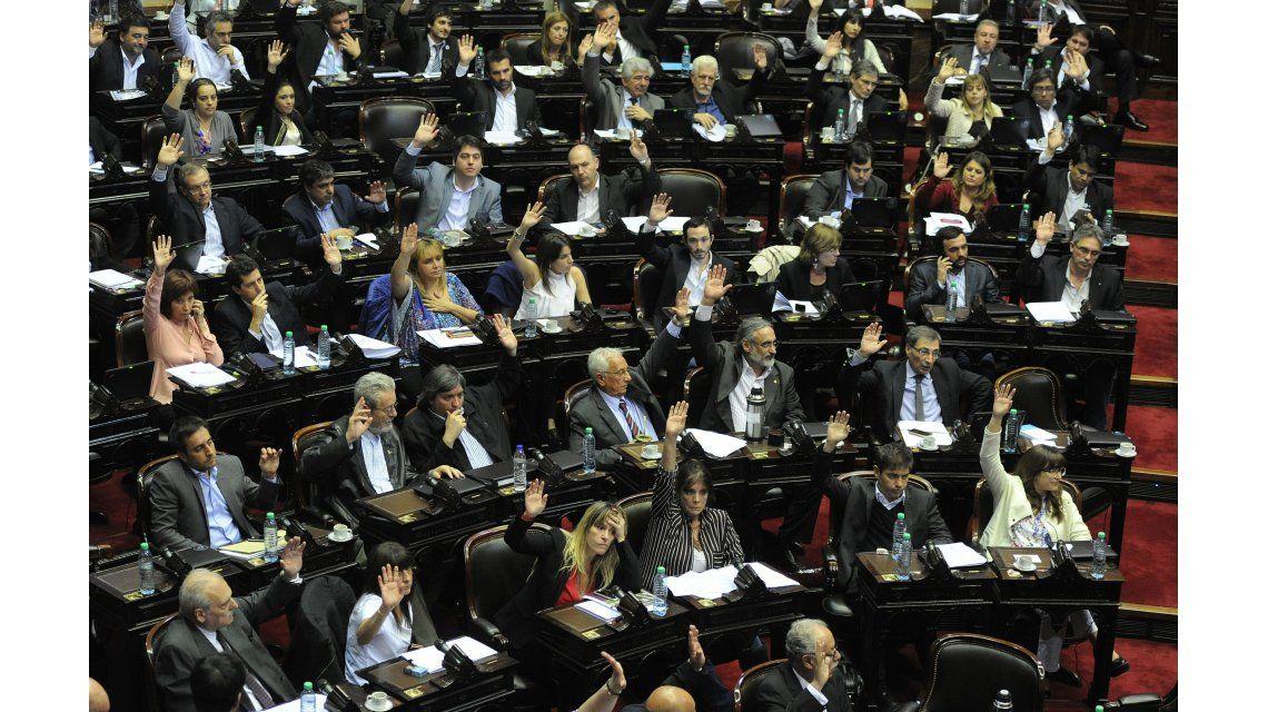 El FpV irá a la Justicia para intentar anular el DNU que cambia la Ley de Medios