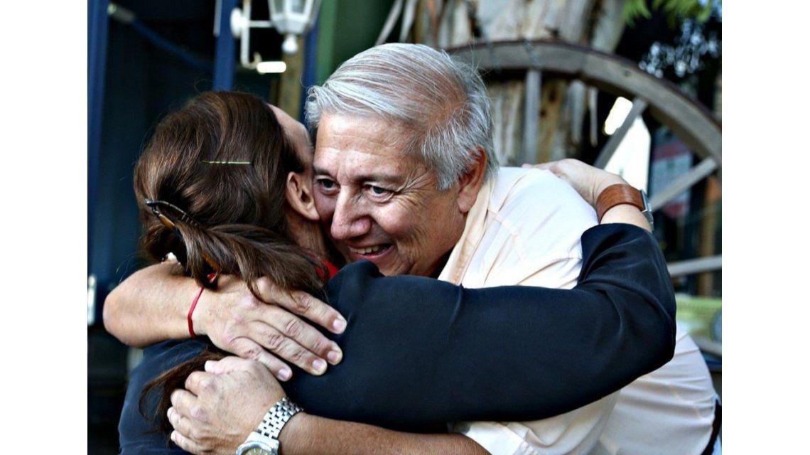 Papelón: Michetti homenajeó a un veterano de guerra que no estuvo en Malvinas