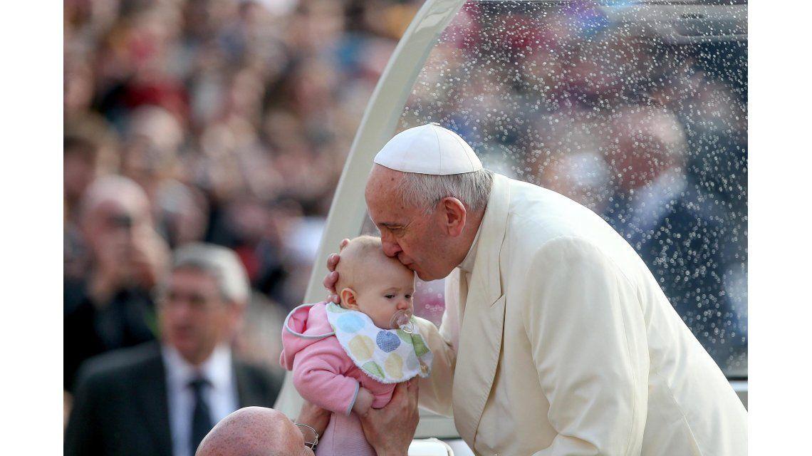 El Papa le abre las puertas a los divorciados vueltos a casar