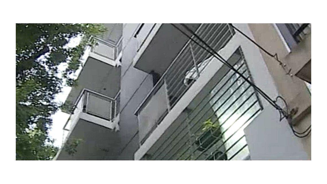 Cayeron dos ladrones que robaban departamentos al estilo hombre araña