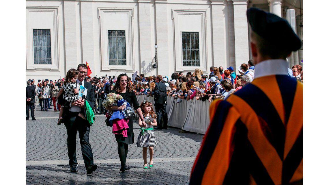 Francisco recibió a una nena que pidió conocerlo antes de quedarse ciega