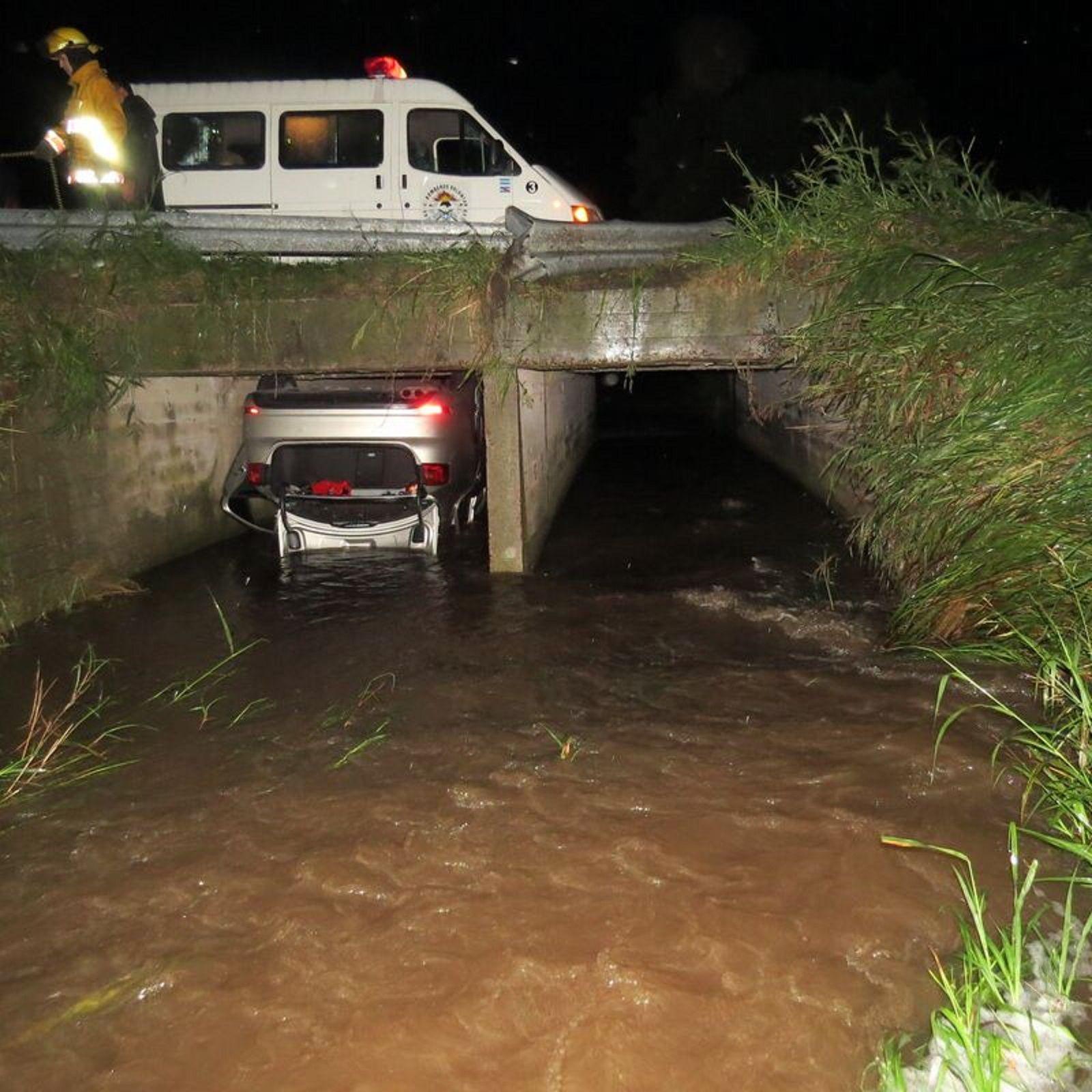 Tres muertos tras despistarse un auto oficial del Gobierno de Entre Ríos