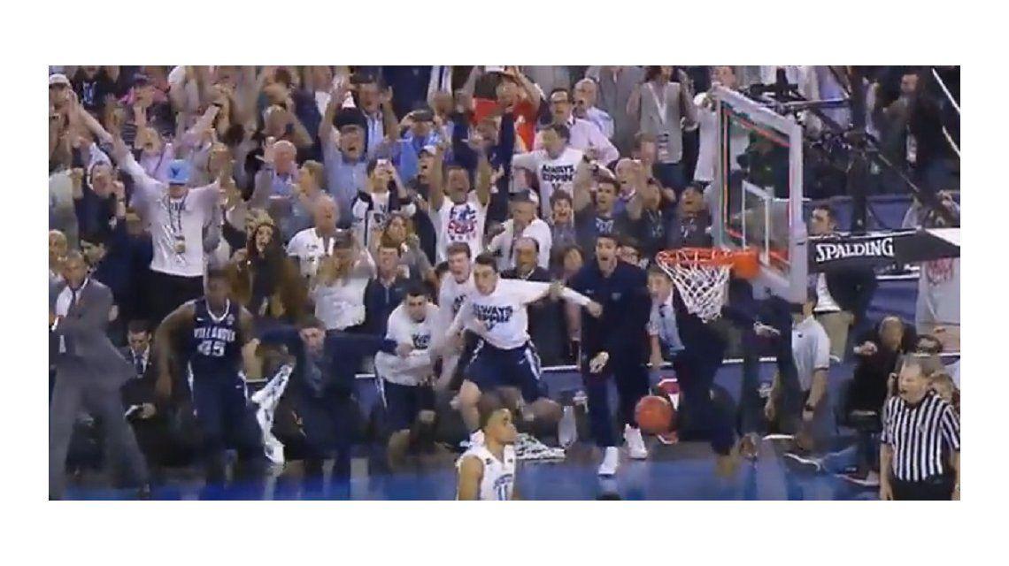 Mirá el infartante final del básquet universitario de EE.UU, con Jordan como testigo