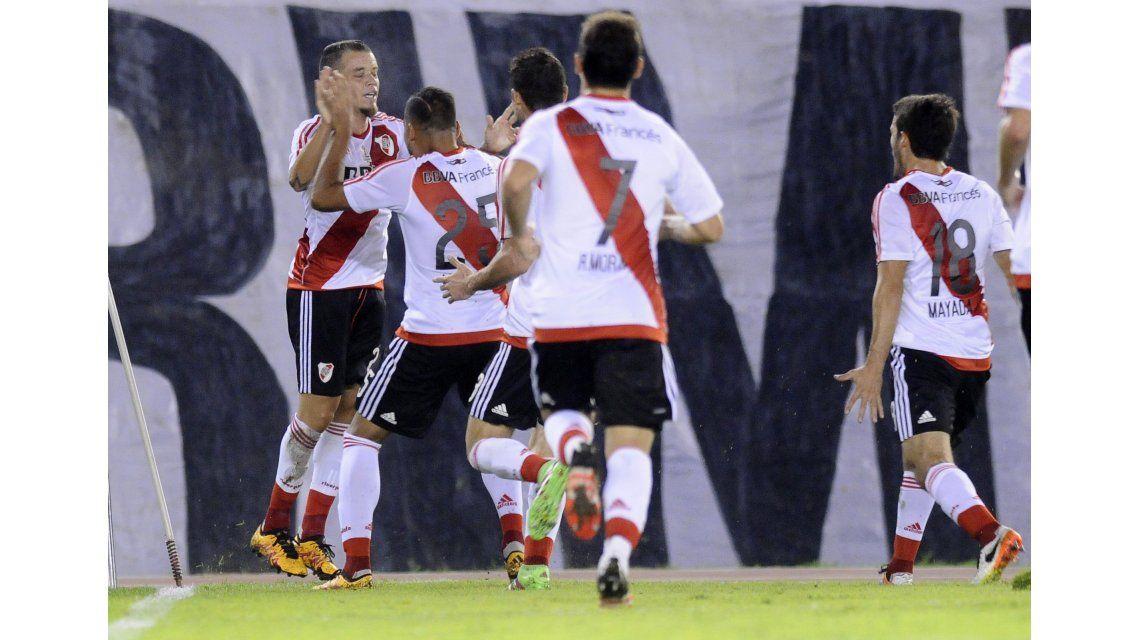 Caño y taco: mirá el golazo de Andrés D´Alessandro ante The Strongest