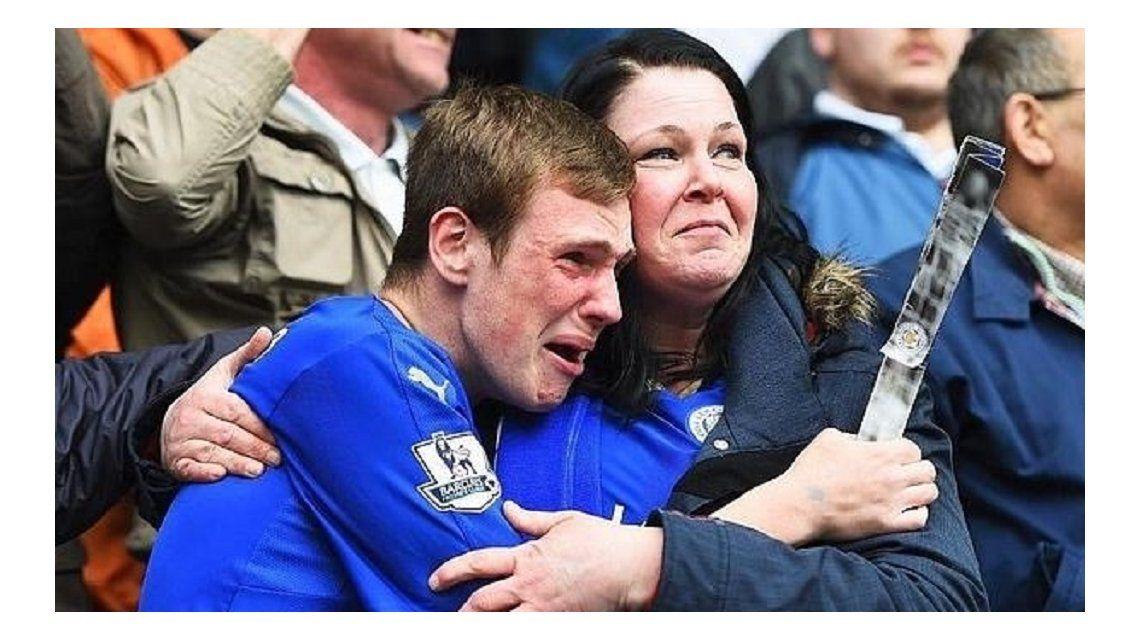 El Leicester de Inglaterra conmueve a todos: la foto de la que habla el mundo
