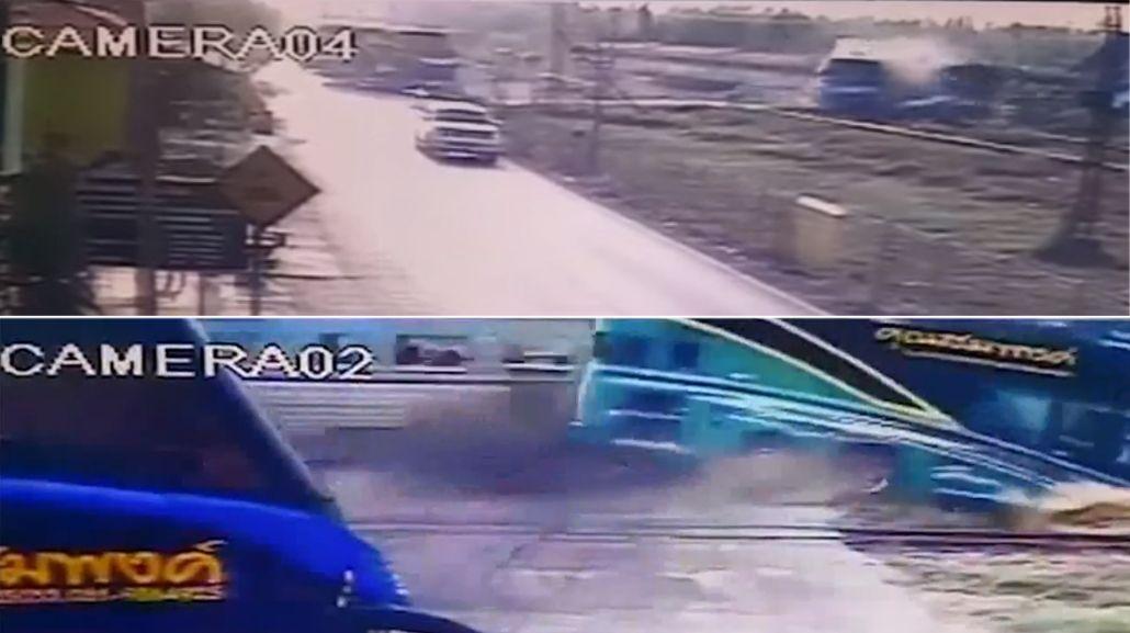 VIDEO: un tren embistió a un micro y murieron tres personas