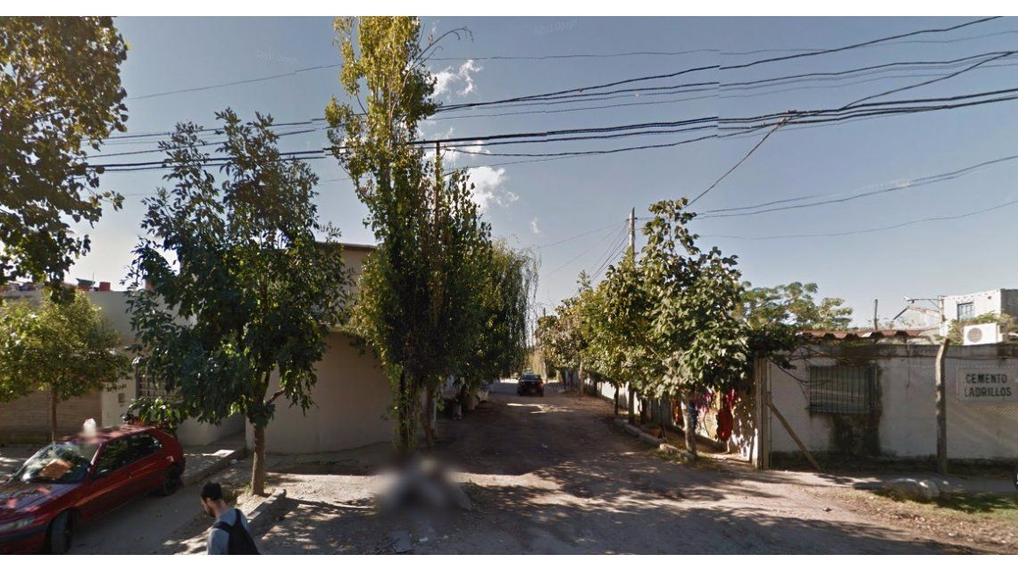 Horror en Berisso: hallan el cuerpo decapitado de una mujer en un descampado