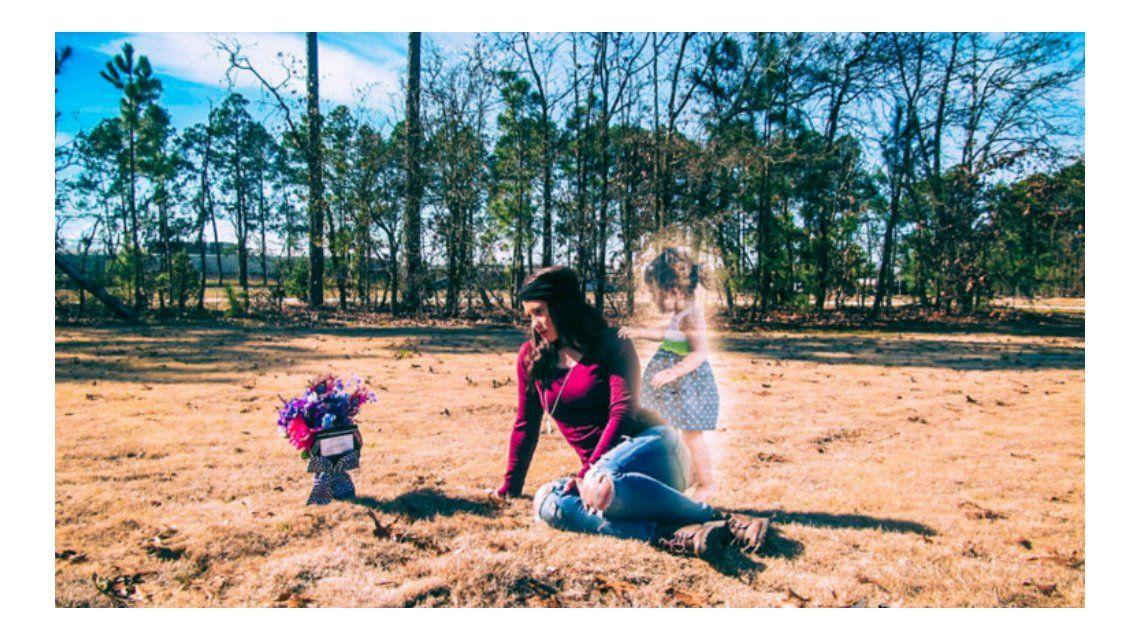 Arrestan a una mujer por la muerte de su hija y se viralizan las fotos en su honor
