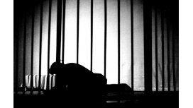 Le permitieron a un preso no ir a declarar porque quería seguir durmiendo