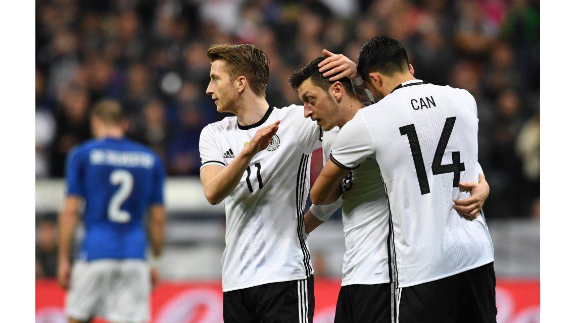 Alemania se recuperó de la caída ante Inglaterra y goleó a Italia en Munich