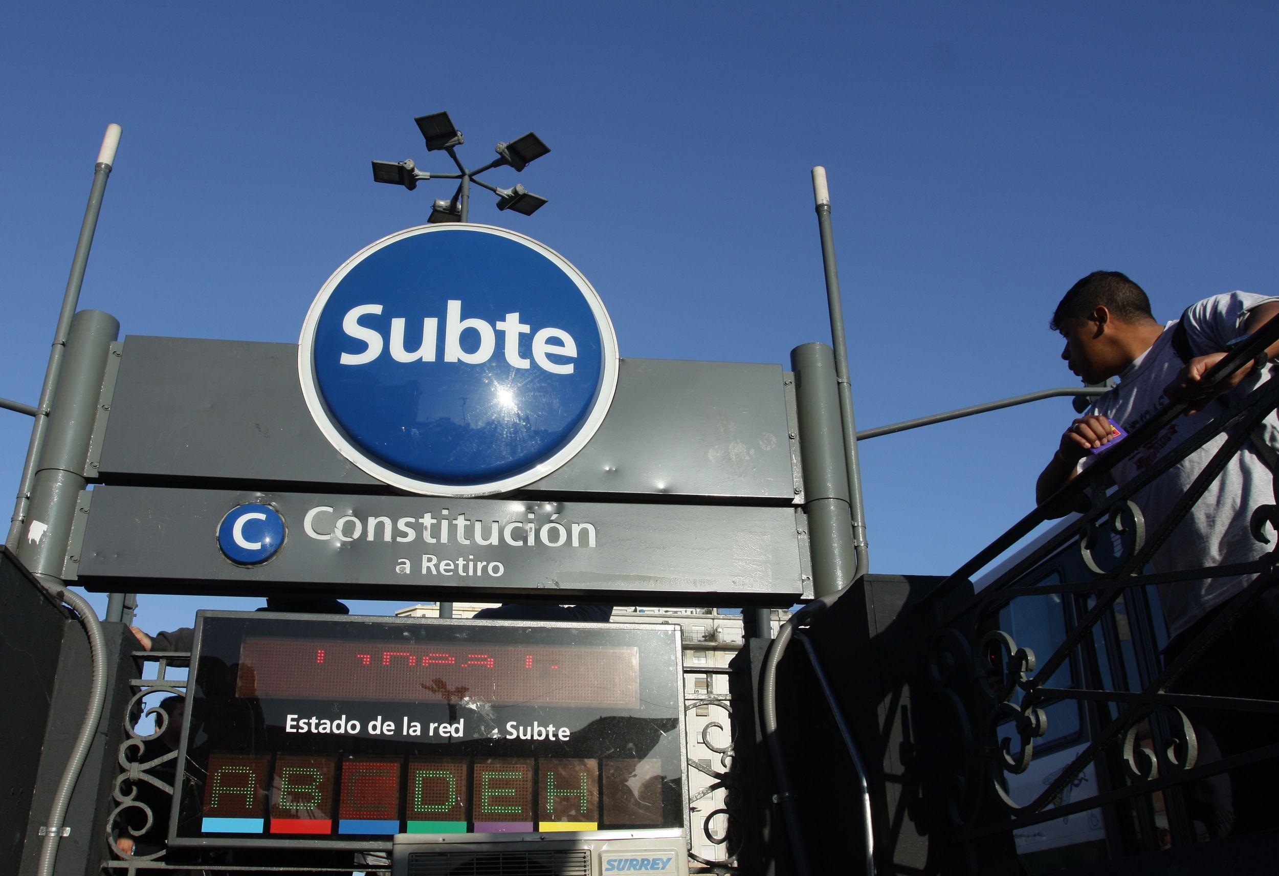 Por obras en la línea C, cierran la estación Constitución del subte