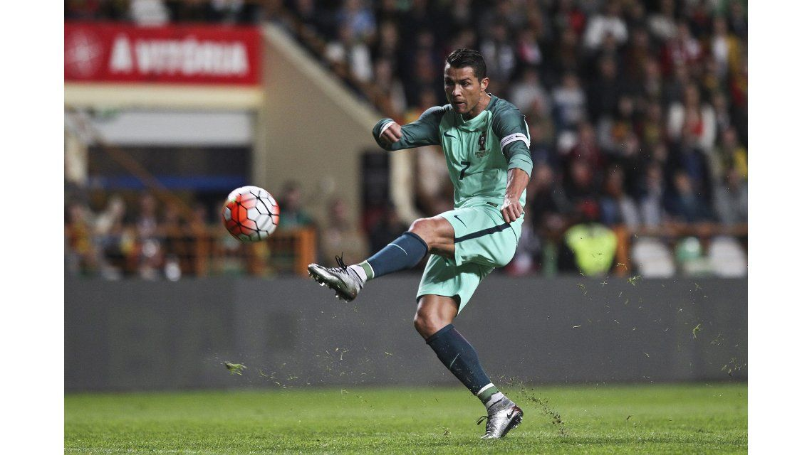 Cristiano Ronaldo volvió a bailar, pero ahora dentro de la cancha