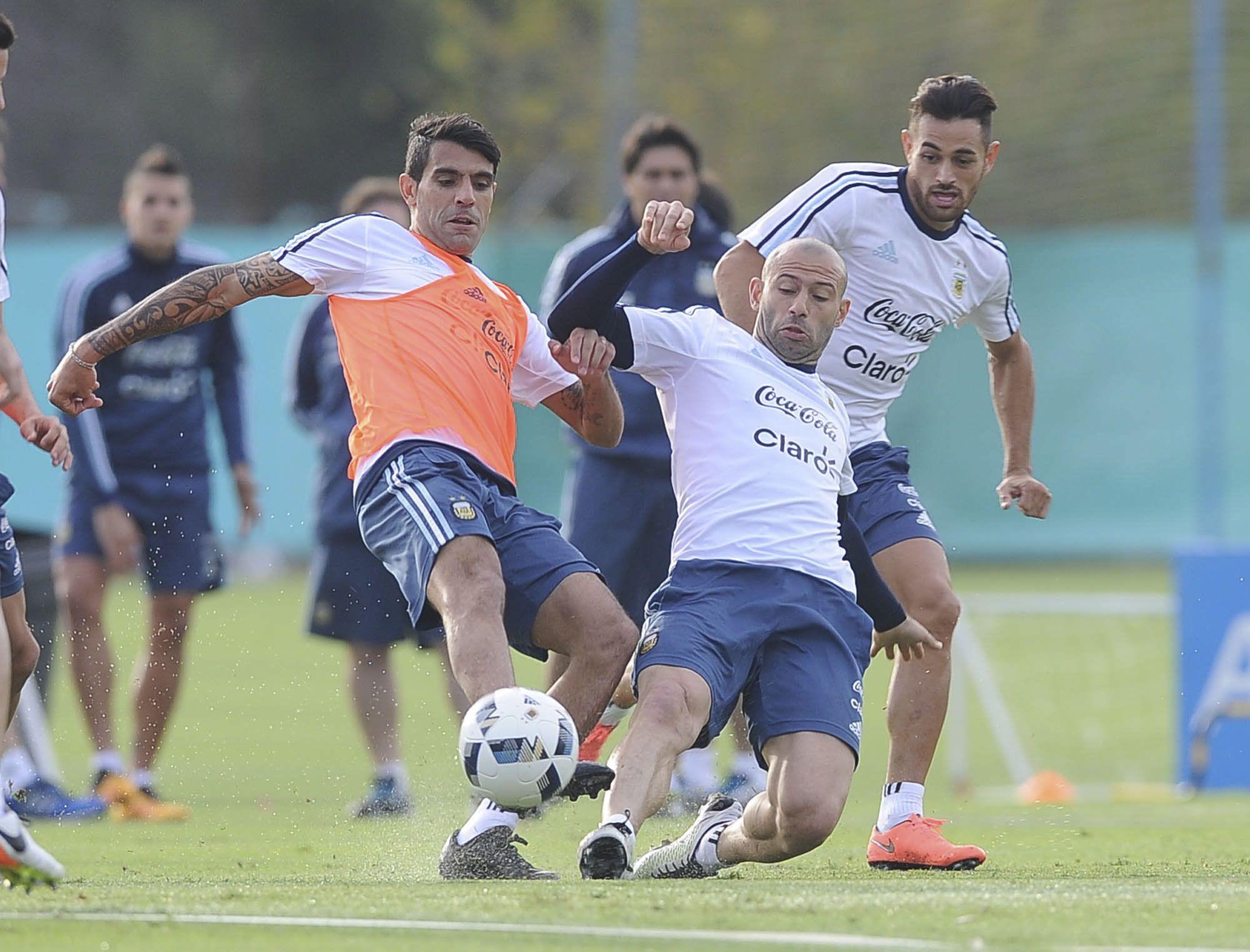 Argentina entrenó sin Messi y Martino evalúa a Musacchio