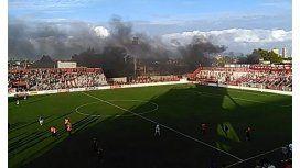 Violencia en el ascenso: incidentes fuera del estadio y suspensión del partido