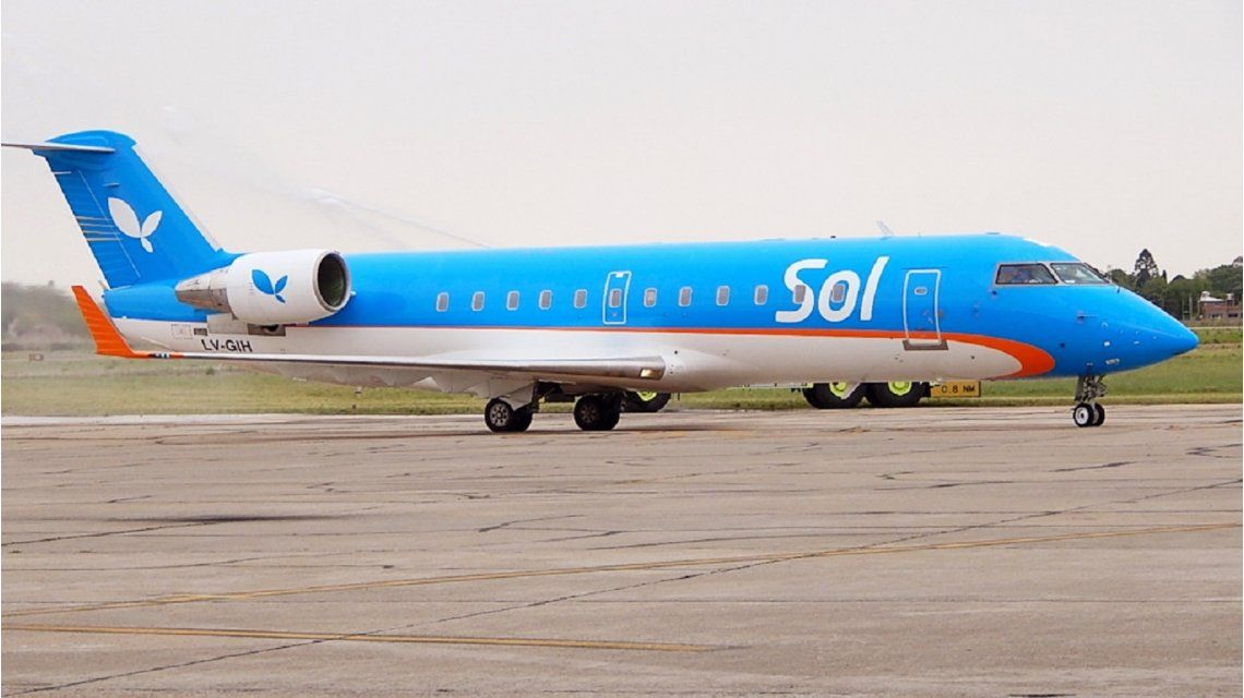 La aerolínea Sol anunció el cese de sus operaciones