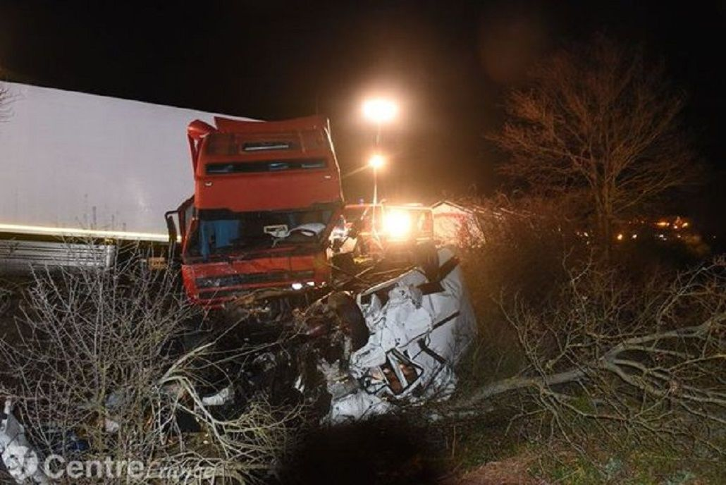 Francia: al menos doce muertos en un choque frontal entre un camión y un micro