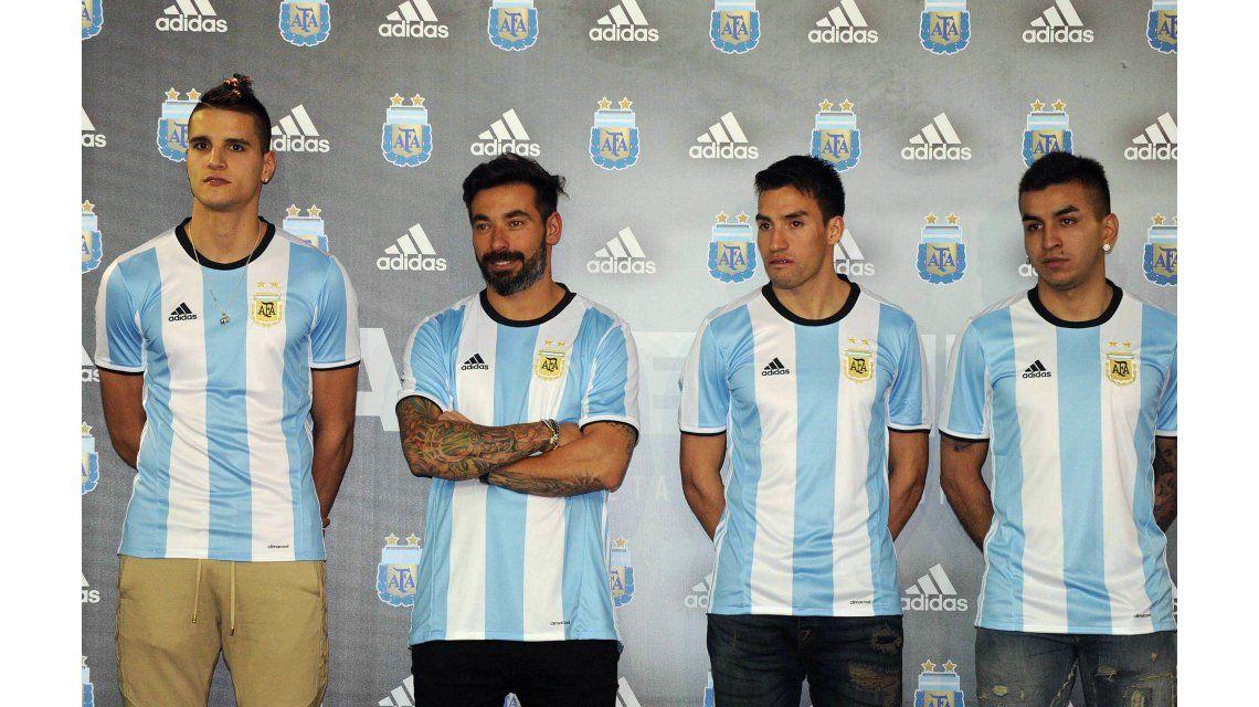 Lamela, Correa, Lavezzi y Gaitán lucieron la nueva camiseta de la Selección
