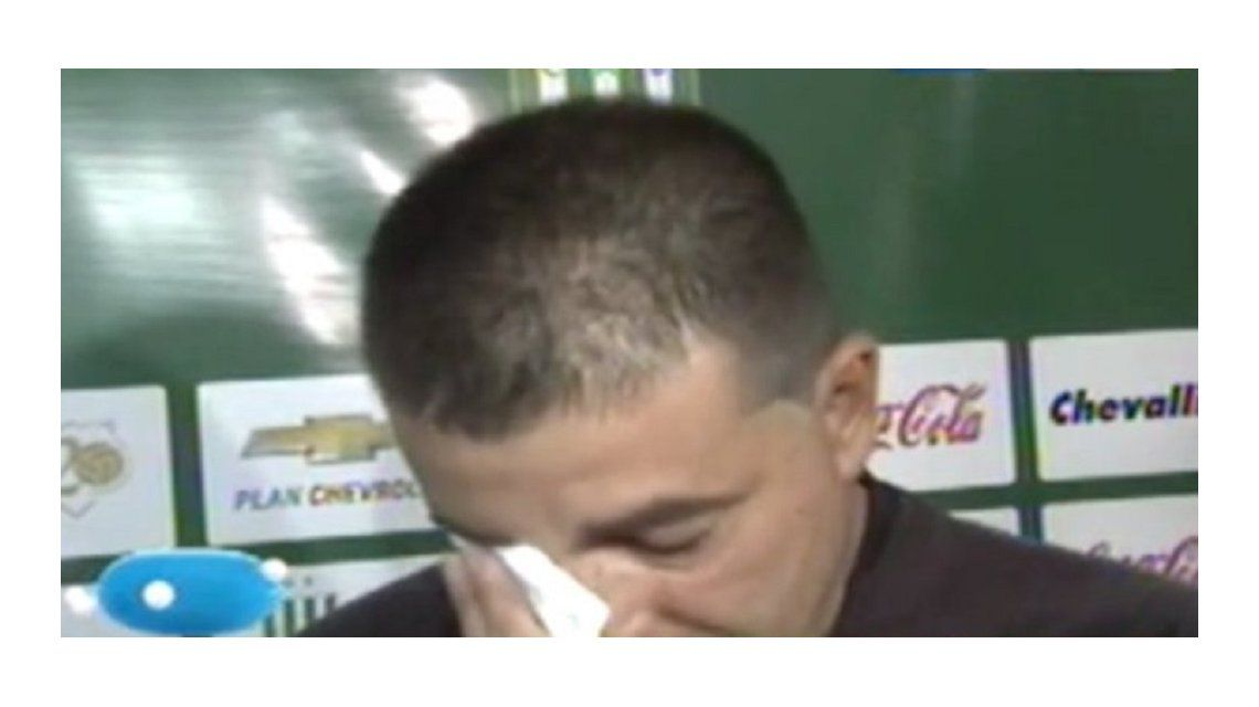 Entre lágrimas, Vivas se despidió de Banfield: Lloro porque soy medio maricón