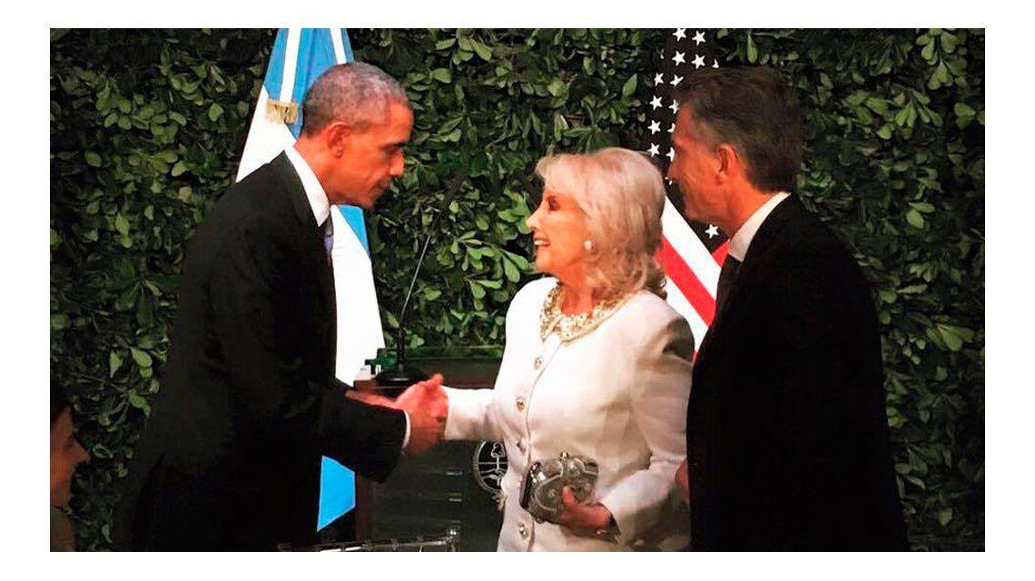 Cena en homenaje a Barack Obama: la foto del saludo a Mirtha y la ausencia de Marcelo Tinelli