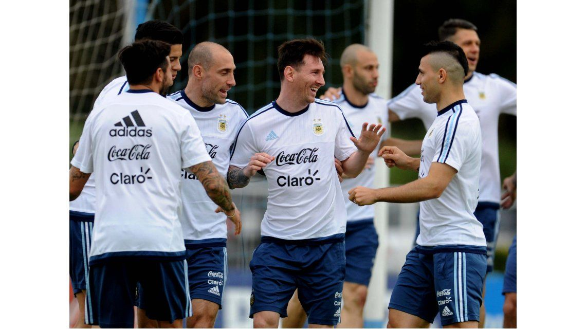 Las imágenes del primer entrenamiento de la Selección