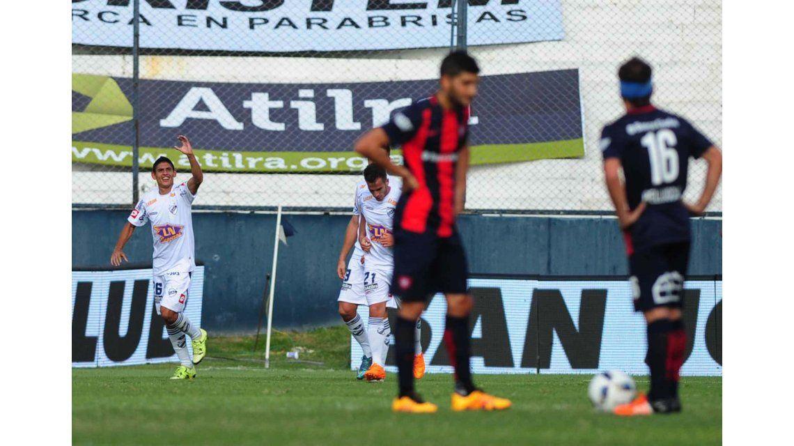 Quilmes se aprovechó de un desconcertado San Lorenzo y lo goleó en el Sur