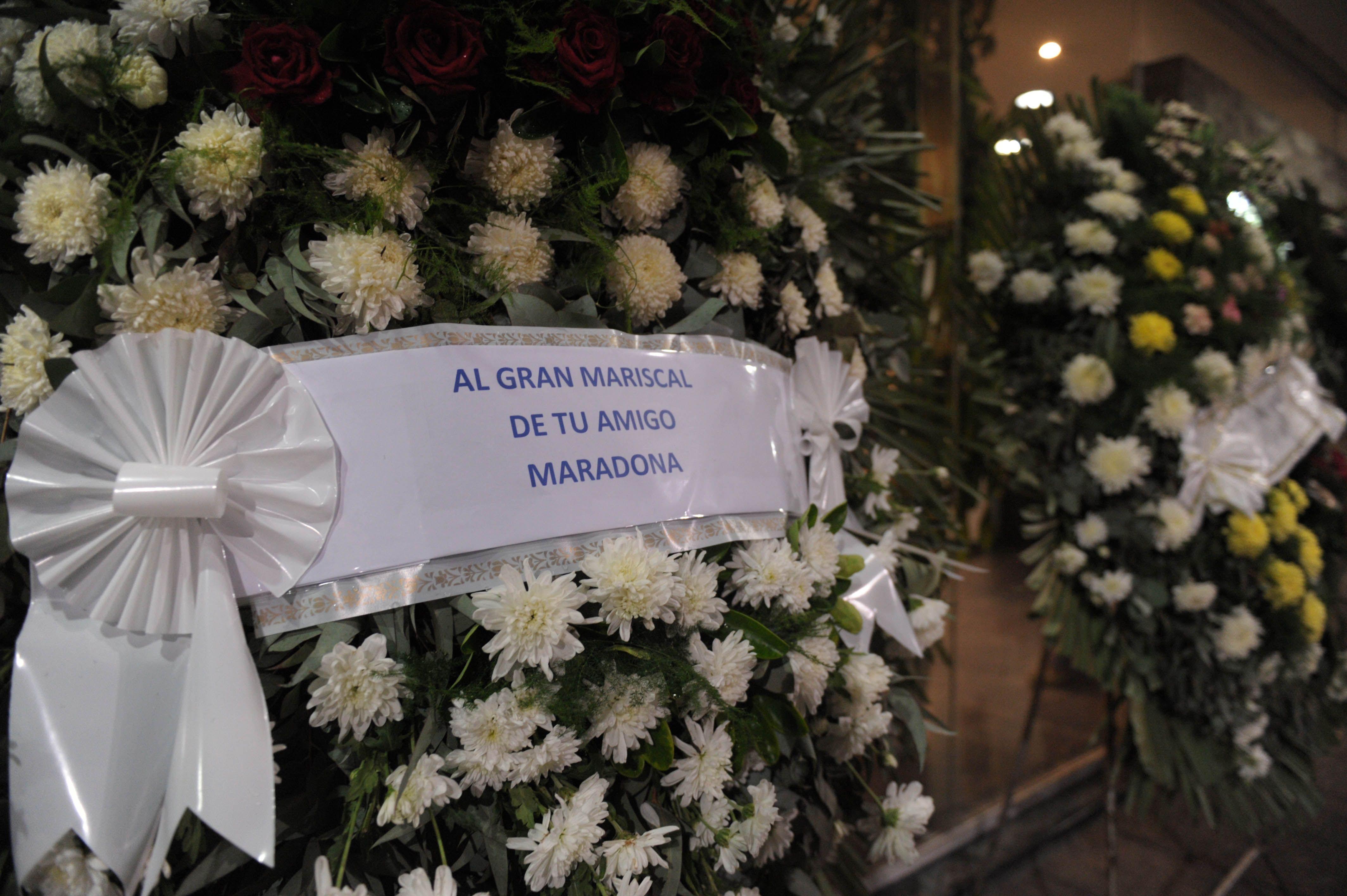 Familiares y amigos despiden al ex futbolista Roberto Perfumo