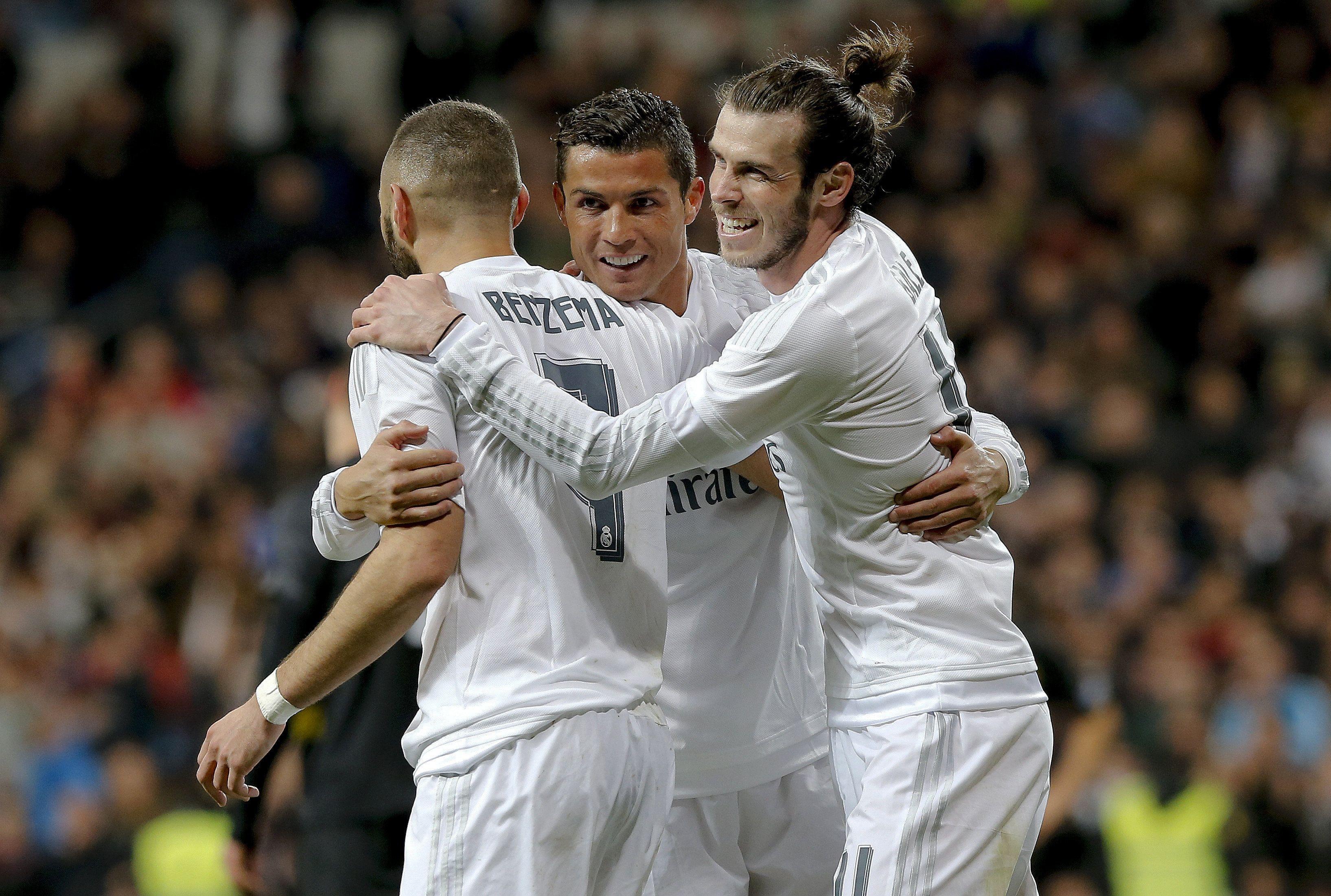 Real Madrid goléo al Sevilla y mantiene su mínima esperanza