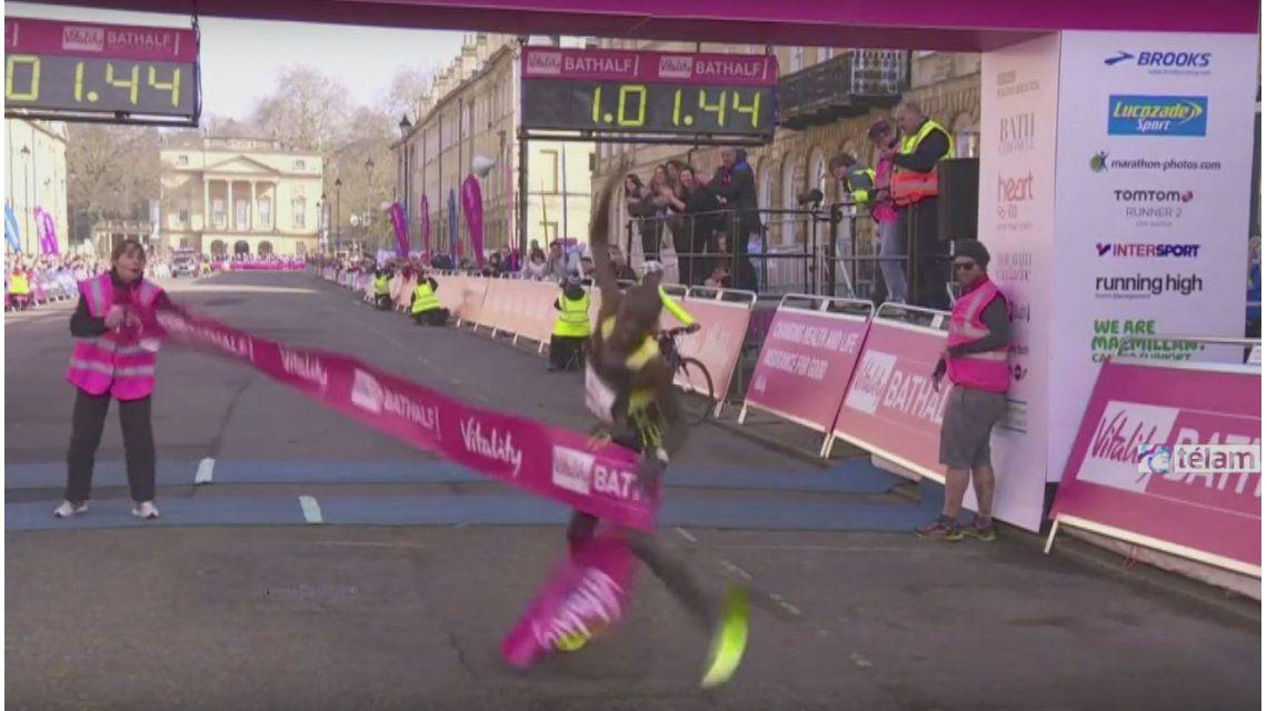VIDEO: Marcó un récord, pero terminó mal
