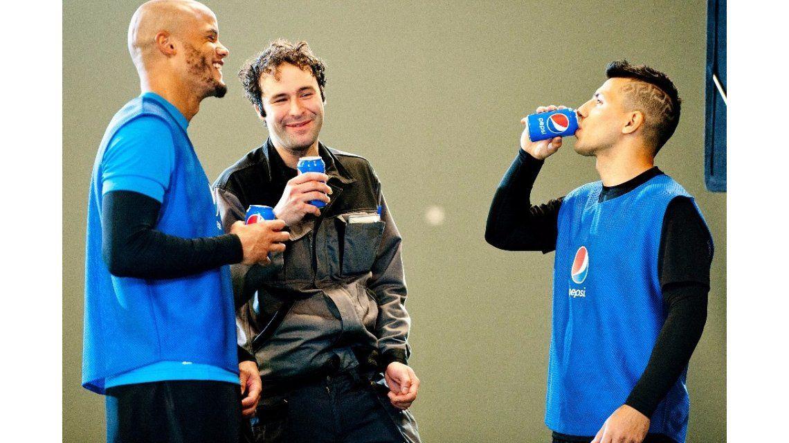 Mirá la nueva publicidad de Pepsi, protagonizada por el Kun Agüero y compañía