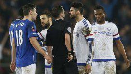 Siempre polémico: Diego Costa fue expulsado... ¿por morder a un rival?