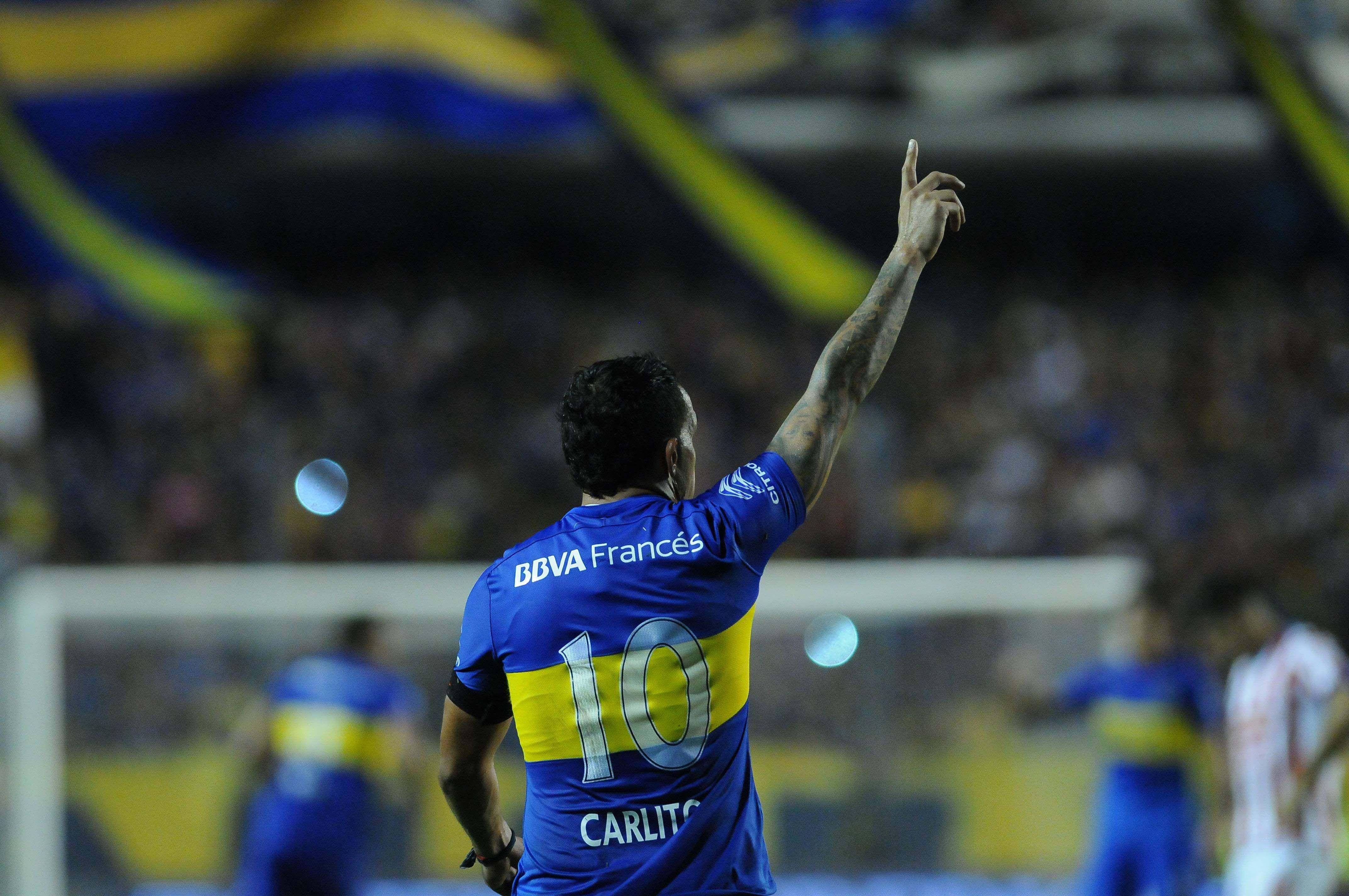 Tevez fue capitán, le dio el triunfo a Boca y lució una cinta especial