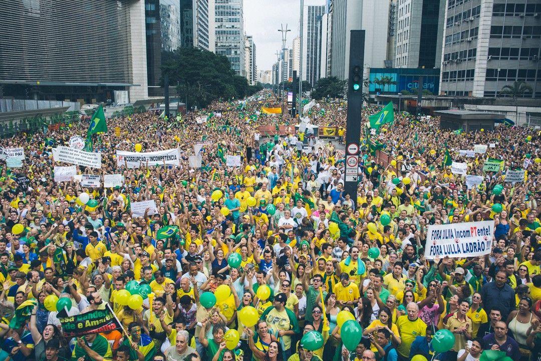 Miles de brasileros marcharán en apoyo a la policía y al juez del caso Petrobras